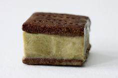 """Guilt Free """"Ice Cream"""" Sandwiches (banana, non-dairy milk & protein powder)"""