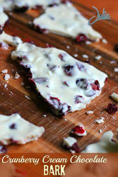 Cranberry Cream Chocolate Bark – Christmas Cookie Week #christmascookies