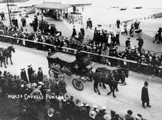 Funeral procession of Nurse Cavell in Dover. School Pictures, Old Pictures, Old Photos, World War One, First World, Edith Cavell, Norwich Cathedral, Women In History, Wwi