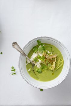 Fresh peas with mint soup (Crema de guisantes y menta) | Food and Cook www.foodandcook.net