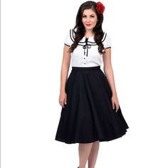 """Hell Bunny Vixen 50's inspired circle skirt SIZE      WAIST BAND            LENGTH L            80cms/31""""        69cms/27""""                   100% cotton                                                    Wear a petticoat to get the full effect Hell Bunny  Skirts Circle & Skater"""