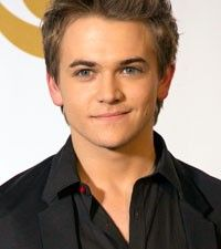 Hunter Hayes, Kelly Clarkson and other GRAMMY GOODIES.