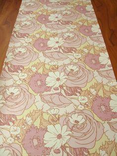 Bella Donna | Vintage Flower Wallpaper | Johnny-Tapete