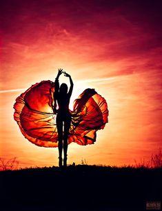 a dança se destaca a cada por do sol que aparece.