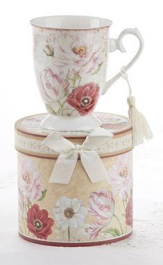 Gift Boxed Porcelain Mug with Tassel - Poppy