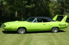 Plymouth Super Bird, I remember seeing this car in my cousins backyard, I wish I would have bought it from him :( Old School Muscle Cars, 70s Muscle Cars, American Muscle Cars, Plymouth Superbird, Dodge Daytona, Car Man Cave, Abandoned Cars, Road Runner, My Ride