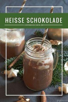 Heiße Schokolade an kalten Wintertagen ist absolutes Glück! Schön schokoladig und mit ganz viel Liebe.