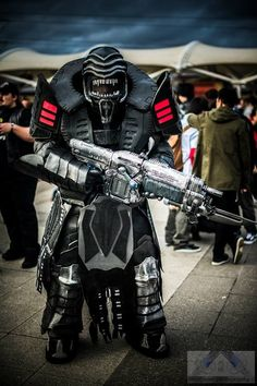 Theron Elite (Gears of War), cosplayed by Tim Lucas, photographed by Shinigami Photography