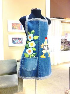 Arte e Mil Idéias...: Jeans na Decor I would change it up just a little, but neat idea.