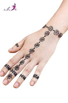 Simple Mehndi Designs for Girls  #arabicmehndidesigns #arabichennadesign #mehndidesignssimple #mehndidesigns2019 #mehndidesigns2020 #latestmehndidesigns #simplehennadesigns #mehndidesignseasy #mehndidesignforhandssimple Arabic Henna Designs, Mehndi Designs For Girls, Latest Mehndi Designs, Bridal Mehndi Designs, Simple Mehndi Designs, Henna Leg Tattoo, Leg Tattoos, Tattoo Ink, Finger Tats