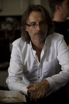 Robert Carlyle- Stargate Universe - robert-carlyle Photo