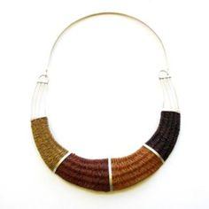 Graciela Lescano (joyas de fibra vegeral trabajadas por mujeres wichi)