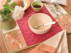 placemats and napkins | For the mom who loves to cook: A Summer Setting Placemats and Napkins.