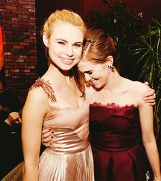 The friendship between Rose and Lissa is incredible. | 11 Reasons You (Yes, You) Should Go See Vampire Academy