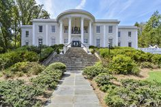 The White House is for sale? Actually, two are on the market, just two miles apart. #realestate #realestateagent #realestatemarket #investinGA #cspremierpropertypros