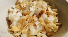 These are like the extremely addictive Trader Joe's roasted coconut chips. Paleo Recipes, Low Carb Recipes, Snack Recipes, Paleo Treats, Healthy Snacks, Flat Belly Smoothie, Pure Coconut Water, Sugar Free Maple Syrup, Lunch Snacks