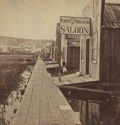 Pre 20th century Irish Pub on Park Point in Duluth MN.