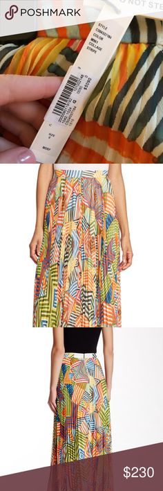 Alice & Olivia Shannon pleat maxi skirt Never been worn, was a gift and not my style! Alice + Olivia Skirts Maxi