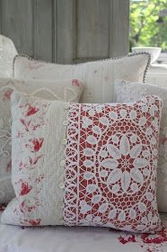 sHabbY vINTage PillowS