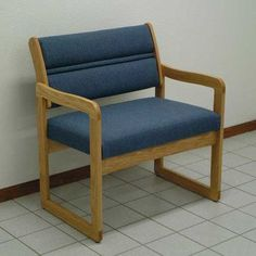 Wooden Mallet Valley Bariatric Guest Chair Wood Finish: Medium Oak, Fabric: Charcoal Gray, Frame Type: Sled Base
