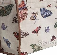 Signare Fashion Canvas/Tapestry Shopping Bag/Tote Bag/ Shoulder Bag/ Box bag/ Carry All Bag in Strawberry Th No description (Barcode EAN = 5060238947565). http://www.comparestoreprices.co.uk/shopping-bags/signare-fashion-canvas-tapestry-shopping-bag-tote-bag-shoulder-bag-box-bag-carry-all-bag-in-strawberry-th.asp