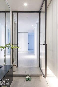 우리 집에 어울리는 중문 디자인 고르기 : 네이버 블로그 Entrance Foyer, Condo Decorating, Iron Doors, Downlights, Home Living Room, Windows And Doors, Door Handles, Scale, Interior Design