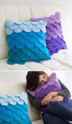 DIY No-Sew Scalloped Ombre Pillows