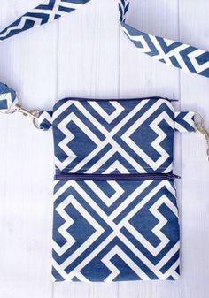 the Essentials Small Tote Bag Pattern Cute little hip bag pattern Diy Bags Patterns, Purse Patterns, Sewing Patterns, Easy Patterns, Sewing Tutorials, Sewing Crafts, Sewing Projects, Sewing Ideas, Bag Tutorials
