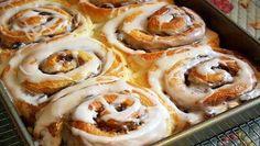 Simply Sensational Cinnamon Rolls from Jane's Sweets & Baking Journal Brazilian Style, Cookie Dough Cake, Yummy Treats, Yummy Food, Baked Rolls, Sticky Buns, Sweet Bread, Cinnamon Rolls, Cinnamon Swirls