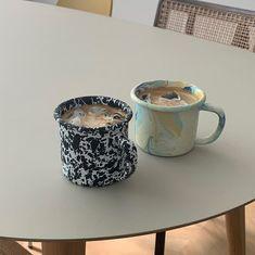 Coffee Love, Coffee Break, Coffee Shop, Coffee Maker, Iced Coffee, Ceramic Mugs, Ceramic Pottery, Pottery Art, Aesthetic Coffee