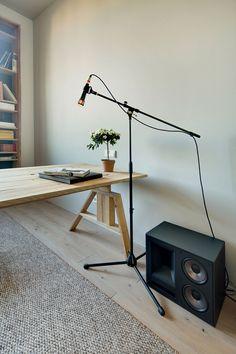Contemporary Chic Minimalist Apartment in Kiev - Besten Deko Nordic Living Room, Decor Home Living Room, Bed In Living Room, Living Room Carpet, Home Decor, Minimalist Apartment, Minimalist Decor, Family Room Decorating, Modern Loft