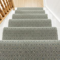 Quirky Tess Black 7000 Stair Carpet Runner - Free delivery on orders over & 30 day return guarantee from Carpet Runners UK. Staircase Runner, Stair Runners, Alternative Flooring, Stair Rods, Beige Carpet, Red Carpet, Quirky Home Decor, Cheap Carpet Runners, Ceiling Height