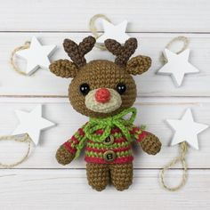 This tiny adorable amigurumi deer is going to bring a holiday spirit to your home! It can be ideal cute Christmas gift for your loved one! Crochet this little guy with the help of our Tiny Deer Amigurumi Pattern. Crochet Panda, Crochet Teddy Bear Pattern, Crochet Bunny, Crochet Patterns Amigurumi, Crochet Dolls, Free Crochet, Amigurumi Toys, Crochet Snowman, Christmas Deer