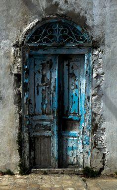 Door Arbor, Door Gate, Old Wooden Doors, Rustic Doors, Cool Doors, Unique Doors, Door Knockers, Door Knobs, Old Gates