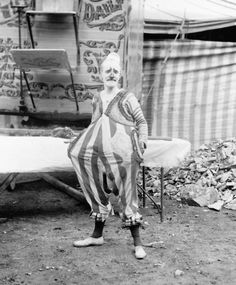 Hanneford's Canadian Circus, a clown - 5 Great Sites for 100% FREE Vintage Stock Images for Your Blog Posts