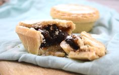 Homemade Fruity Goodness! Gluten Free Paleo Christmas Mince Pies Recipe! View online: