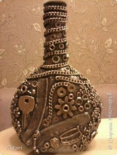1 million+ Stunning Free Images to Use Anywhere Glass Bottle Crafts, Wine Bottle Art, Painted Wine Bottles, Diy Bottle, Bottles And Jars, Glass Bottles, Decorated Bottles, Beer Bottle, Jar Art