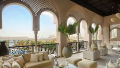 Honest and impartial appraisal of the 10 best hotels in Dubai. If you pay a quality price for your hotel you should receive a quality service. Best Hotels In Dubai, Dubai Hotel, Luxury Rooms, Luxury Spa, Luxury Hotels, Valeur Absolue, Dubai Offers, Great Hotel, Outdoor Furniture Sets