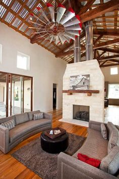 """Hile Kitchen  Lovin' that """"windmill"""" ceiling fan!"""