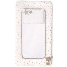 Le matelas à langer de la collection Millie & Boris par Mamas and papas est ingénieusement conçu, il dispose d'un petit coussin amovible ainsi que d'une serviette éponge amovible également !