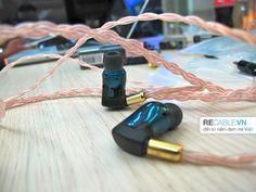 Tai nghe đầu bảng của UE - Triple Fi10 đã được thay dây đồng custom