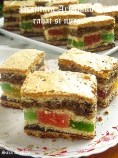 I don't know what it is but it looks yummy. Romanian Desserts, Romanian Food, Romanian Recipes, Köstliche Desserts, Delicious Desserts, Looks Yummy, Food Cakes, Cake Cookies, Biscotti
