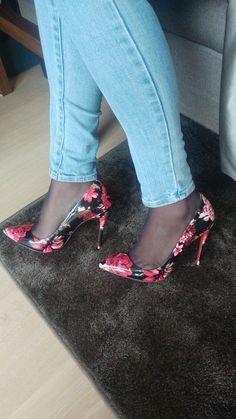 Pantyhose Heels, Stockings Heels, Sexy Legs And Heels, Hot High Heels, Female Fashion, Womens Fashion, Beautiful High Heels, Shoes Heels, Pumps