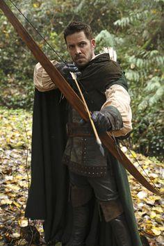 Once Upon a Time Robin Hood Emilie De Ravin, Outlaw Queen, Best Tv Shows, Favorite Tv Shows, Will Scarlet, Robin And Regina, Robin Hood, Sean Maguire, Jennifer Morrison