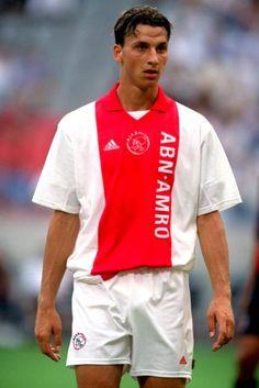 A young Zlatan! At Ajax. Retro Football Shirts, Football Icon, Football Is Life, World Football, Football Kits, Vintage Football, Football Soccer, I Am Zlatan Ibrahimovic, Afc Ajax