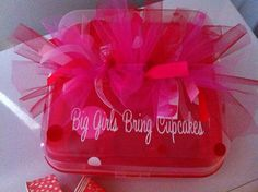Hey, I found this really awesome Etsy listing at https://www.etsy.com/listing/124704603/personalized-cupcake-carrier