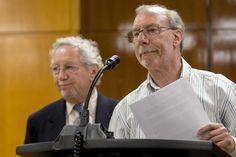 Stanley Patz (R), father of Etan Patz, speaks to the media at the state Supreme Court in the Manhattan borough of New York, May 8, 2015. A judge declared a mistrial on Friday in the trial of Pedro Hernandez, who confessed to killing Etan Patz, the New York City boy whose 1979 disappearance changed the way the U.S. handles reports of missing and abducted children.        REUTERS/Brendan McDermid via @AOL_Lifestyle Read more…