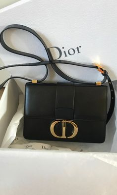 Stunning bag Dior Montaigne 30 in black leather, complete with box, dustbag, ribbon and tags. The bag was worn for only one hour and is perfect without traces. Dior Handbags, Purses And Handbags, Luxury Bags, Luxury Handbags, Dior Montaigne, Sac Lady Dior, Christian Dior Bags, Sacs Design, Shopping