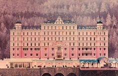A Behind-the-Scenes Look at the Sets of Wes Anderson's Latest Film ...