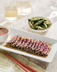Sesame Tuna with Ginger-Miso Dipping Sauce. I loveee tuna! Diner Recipes, Tuna Recipes, Seafood Recipes, Paleo Recipes, Healthy Dinner Recipes, Cooking Recipes, Fresco, Asian, Paleo Dinner